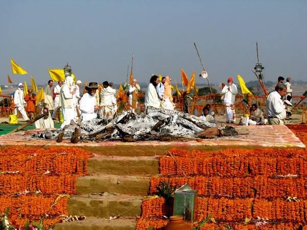 Cremation-ceremony-after-burning