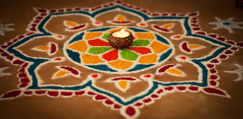 beautiful-kolam-outside-door-india